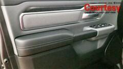 2019 Ram 1500 BIG HORN / LONE STAR CREW CAB 4X4 5'7 BOX Crew Cab