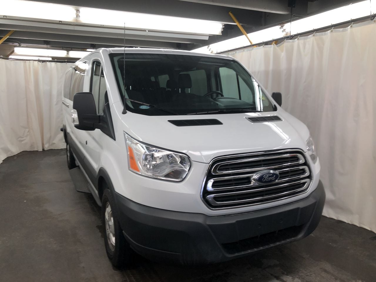 2017 Ford Transit-350 T350 Wagon Low Roof Wagon
