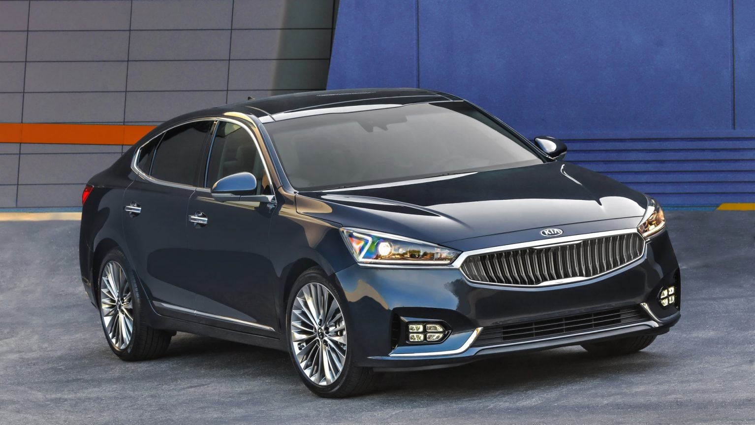 2019 Kia Cadenza Luxury Sedan