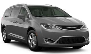 New 2020 Chrysler Pacifica Hybrid TOURING L Passenger Van in Altoona, PA