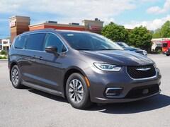 2021 Chrysler Pacifica Hybrid TOURING Passenger Van