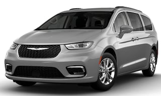New 2021 Chrysler Pacifica TOURING AWD Passenger Van in Altoona, PA