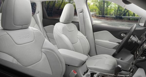 New Jeep Cherokee interior front seats
