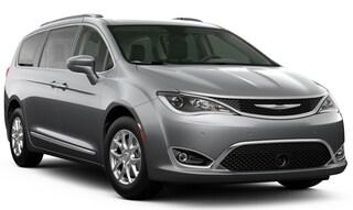 New 2020 Chrysler Pacifica TOURING L Passenger Van in Danville, IL