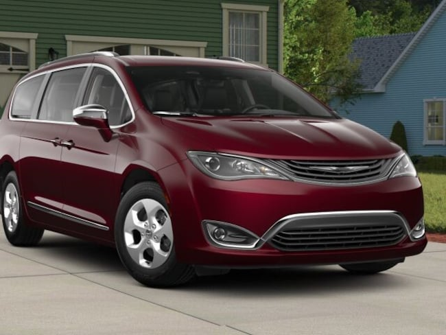 New 2018 Chrysler Pacifica Hybrid LIMITED Passenger Van for sale in Danville, IL