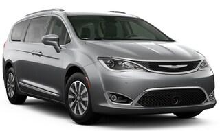 New 2020 Chrysler Pacifica TOURING L PLUS Passenger Van in Danville, IL