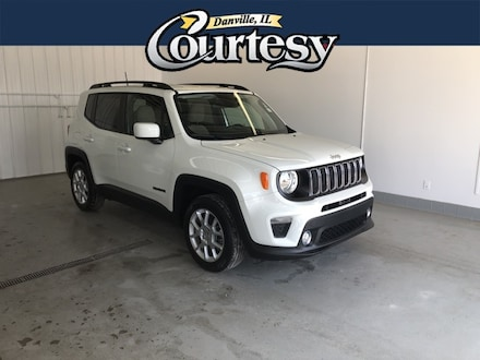Featured used 2019 Jeep Renegade Latitude FWD SUV for sale in Danville, IL
