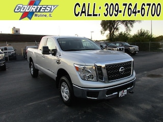 New 2017 Nissan Titan XD SV Diesel Truck King Cab 1N6BA1C31HN559456 For Sale/Lease Moline, IL