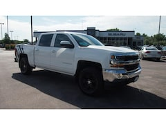 Used 2016 Chevrolet Silverado LT Crew Cab Pickup 3GCUKREC8GG256055 for sale in Rapid City, SD