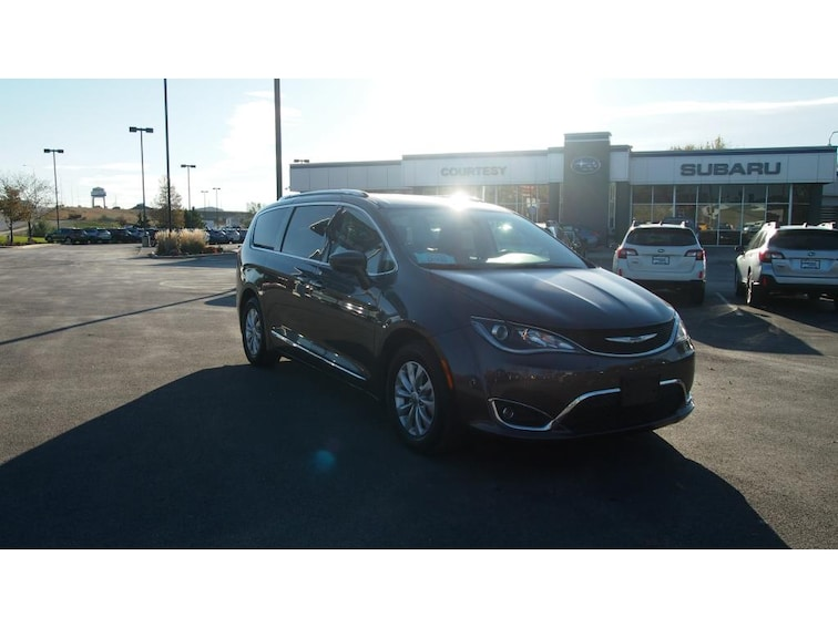 Used 2018 Chrysler Pacifica Touring L Wagon Rapid City, SD
