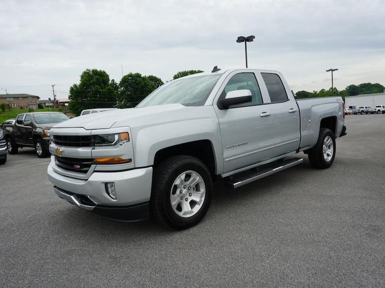 Certified Used 2017 Chevrolet Silverado 1500 LT 4x4 LT  Double Cab 6.5 ft. SB 1GCVKREC8HZ236829 in Kingsport