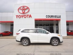 Used 2016 Toyota Highlander LE Plus SUV near Lafayette, LA
