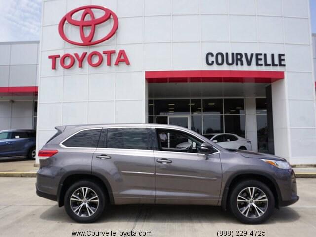 Toyota Lafayette La >> New 2017 Toyota Highlander Le I4 Near Lafayette La