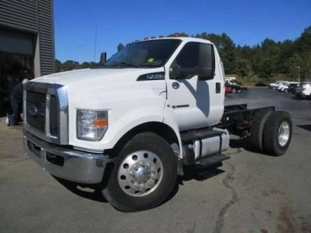2017 Ford F-750 Chassis Cab Duty Truck