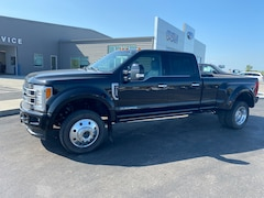 2018 Ford F-450 Crew Cab Long Bed Truck