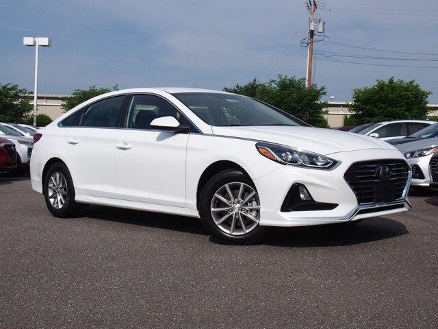 Featured New 2019 Hyundai Sonata SE Sedan 5NPE24AF6KH777895 for sale near you in Lynchburg, VA