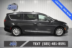 Used 2017 Chrysler Pacifica Touring L Minivan/Van 2C4RC1BG1HR703185 C703185 for Sale Near Buffalo NY