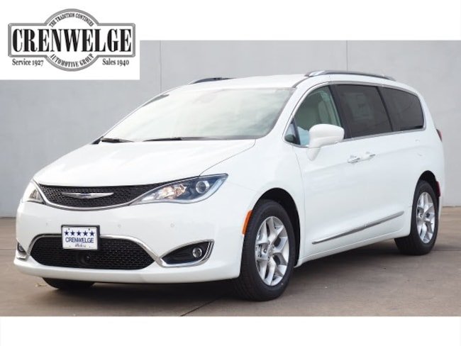 New 2019 Chrysler Pacifica TOURING L PLUS Passenger Van For Sale Kerrville, TX