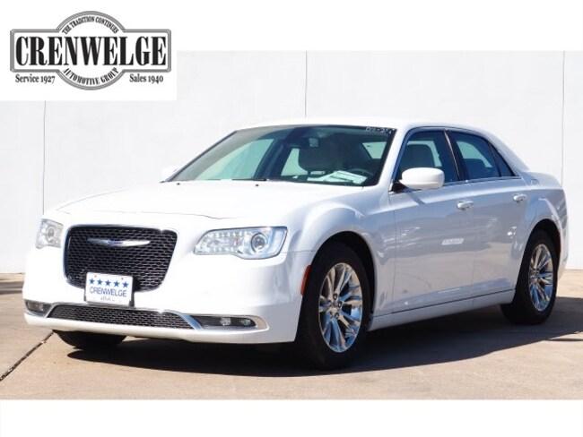 New 2019 Chrysler 300 TOURING Sedan For Sale Kerrville, TX