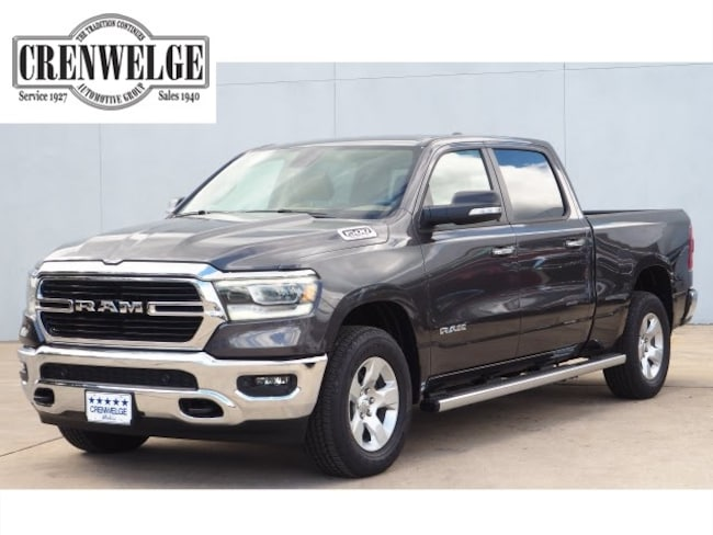 New 2019 Ram 1500 BIG HORN / LONE STAR CREW CAB 4X4 6'4 BOX Crew Cab For Sale Kerrville, TX