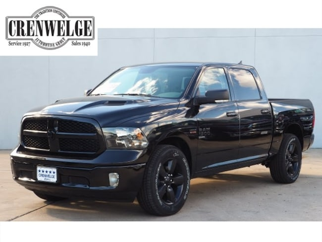 New 2019 Ram 1500 CLASSIC LONE STAR CREW CAB 4X2 5'7 BOX Crew Cab For Sale Kerrville, TX