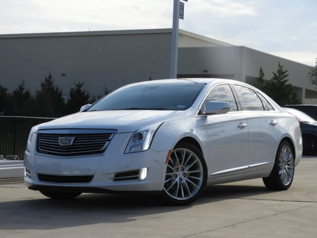 2016 CADILLAC XTS Platinum Sedan