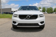 New 2019 Volvo XC40 T5 Momentum SUV for sale in Lansing, MI