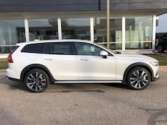 New 2020 Volvo V60 Cross Country T5 Wagon for sale in Lansing, MI