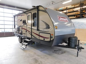2018 COLEMAN 1805 light series