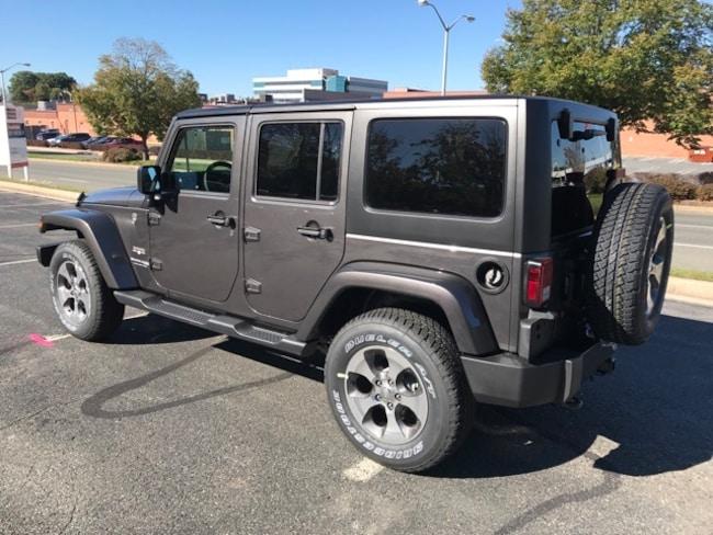 Granite Crystal Metallic Clearcoat 2018 Jeep Wrangler