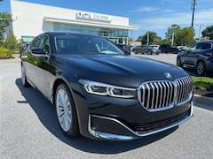 2020 BMW 7 Series 740i Sedan Car