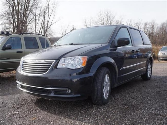 Used 2014 Chrysler Town & Country Touring Van For Sale Hudson, MI