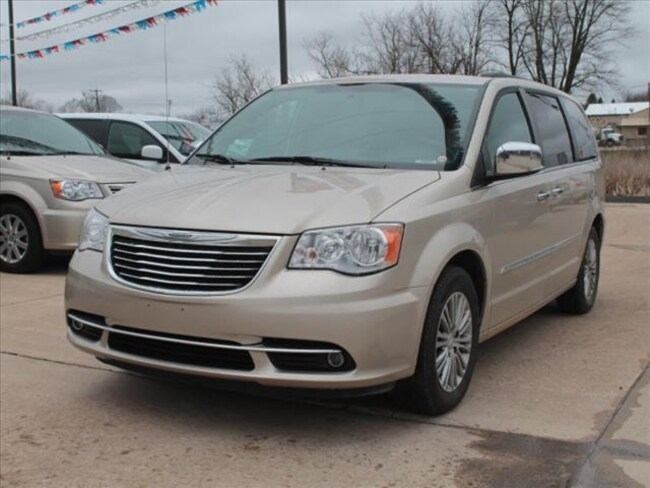 Used 2014 Chrysler Town & Country Touring-L Van For Sale Hudson, MI