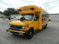 2003 Ford Econoline 450 Cutaway DRW Chassis Truck