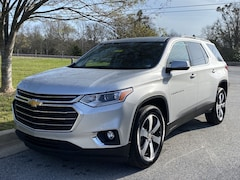 2020 Chevrolet Traverse LT Leather FWD  LT Leather
