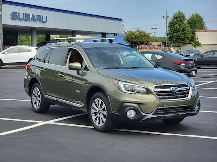 2018 Subaru Outback 3.6R Touring AWD 3.6R Touring  Wagon 4S4BSETC9J3371935
