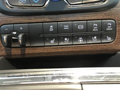 2016 RAM 2500 LARAMIE - Wood Grain Dashboard