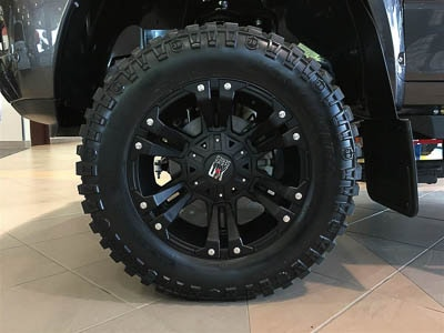 2016 RAM 2500 LARAMIE- Off Road Tire