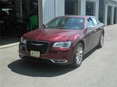 New 2019 Chrysler 300 LIMITED AWD Sedan Littleton NH