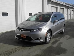 Certified Pre-Owned 2018 Chrysler Pacifica Touring L Van Littleton, NH