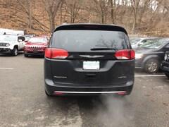 New 2020 Chrysler Pacifica LIMITED Passenger Van near White Plains