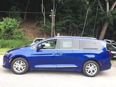 New 2018 Chrysler Pacifica TOURING L PLUS Passenger Van near White Plains