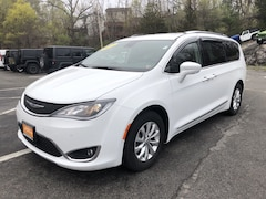 Used 2018 Chrysler Pacifica Touring L Plus Touring L Plus FWD in White Plains