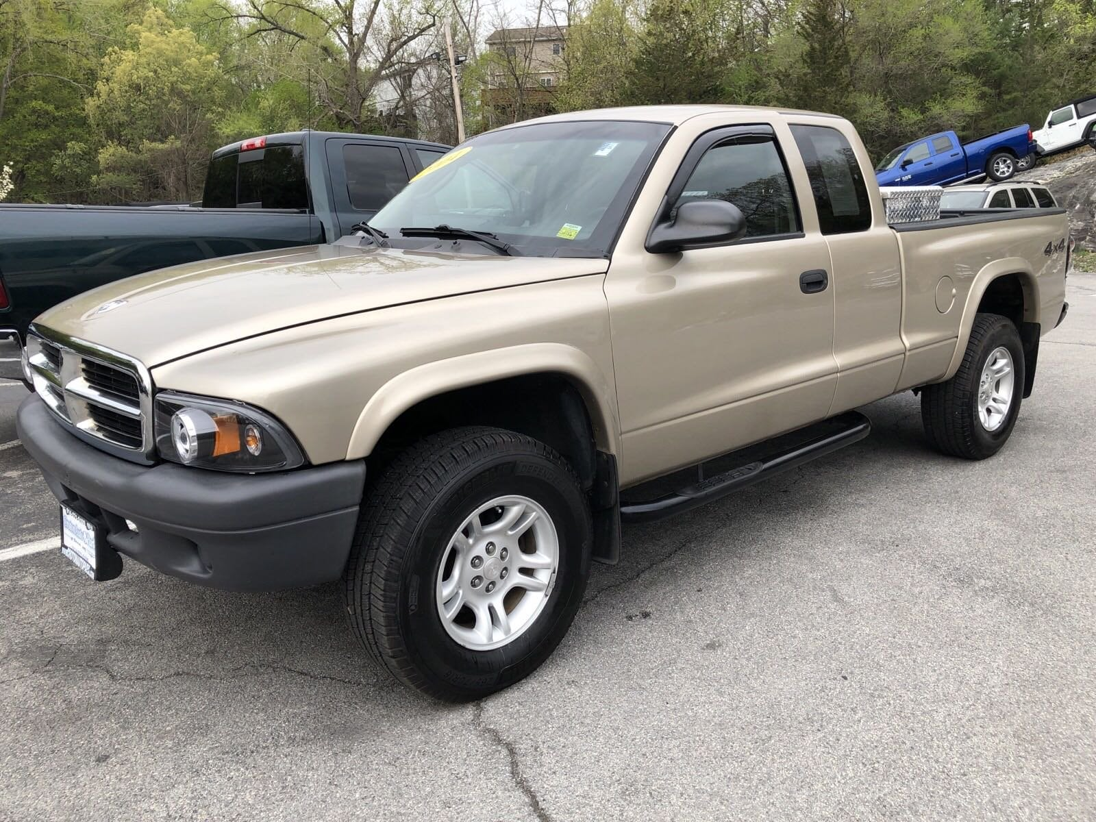 2004 Dodge Dakota Club Cab 131 WB 4WD Base