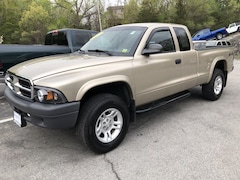 Used 2004 Dodge Dakota Club Cab 131 WB 4WD Base in White Plains