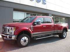 New 2020 Ford Superduty F-450 Lariat Truck Crew Cab near Westminster
