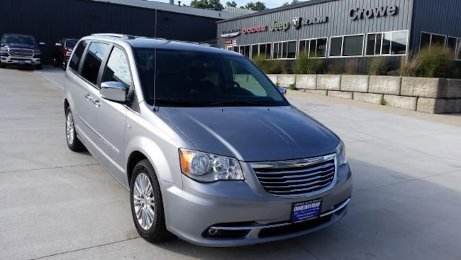 2014 Chrysler Town & Country Touring-L Van