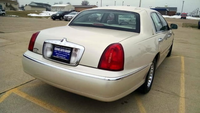 Used 2002 Lincoln Town Car For Sale at Crowe Ford Sales, Company