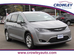 New 2020 Chrysler Pacifica 35TH ANNIVERSARY TOURING L Passenger Van 20C0155 in Bristol, CT