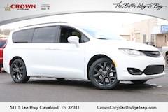 2018 Chrysler Pacifica TOURING PLUS Passenger Van